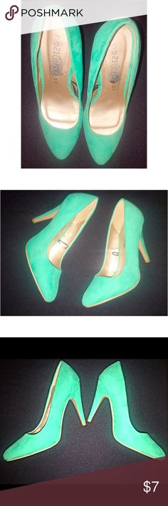 SeaFoam Heels | Size 7 Beautiful seafoam heels from Rue 21. Signs of wear: some dirt , some glue on back of shoe see photo. Wear is hard to tell when worn. Size 7/8.  Make this ☝🏾️treasure yours today ☺️. Don't be scared  to make an offer, you never know unless you try. Bundle multiple items for the best savings. Pay one low price  shipping 🎁! Thanks for  into my closet  😘 Rue 21 Shoes Heels