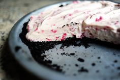by Ree Drummond / The Pioneer Woman,   Ingredients  25 whole Oreo Chocolate Sandwich Cookies  4 Tablespoons Butter, Melted  1 cup (generous) Raspberries  3 Tablespoons Sugar  2 containers (6 Ounce Each) Raspberry Yogurt  1 package (3.4 Ounch) Instant Vanilla Pudding Mix  1 cup Heavy Whipping Cream   Extra Raspberries For Garnish