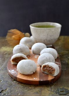Daifukus à la crème de marrons - Japanese flavors: chestnut spread daifukus Japanese Cake, Japanese Sweets, Japanese Food, Smoothie Recipes With Yogurt, Sweet Soup, Roasted Chestnuts, Fusion Food, Asian Desserts, Sweet Recipes