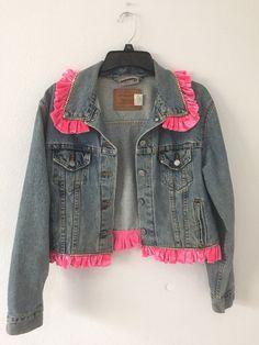 Woman's Vintage Levi Jean Jacket Custom With Pink Velvet Trim And Rhinestones Ck Jeans, Love Jeans, Denim Jacket Fashion, Denim Jacket Men, Popular Mens Jeans, Mens Essentials, Pink Velvet, Vintage Levis, Calvin Klein Jeans