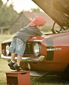 cute idea for a boy's photo..