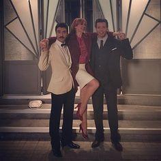 Clara tiene alma de Vedette y estos hombres siempre ceden a sus caprichos @javierrrey @francescotesti  Feliz viernes!!! A rematar la semana  #velvet4