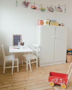 Suède : Blancheur Ponctuée.  / La maison de Mari Eriksson.