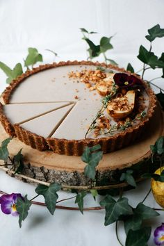 Pear Hazelnut Tart (vegan & grain-free) A lovely wholesome vegan grain-free tart with roasted hazelnut crust filled with delicious spiced pear and coconut cream. #pear #hazelnut #tart #desserts #vegan #grainfree #cleaneating