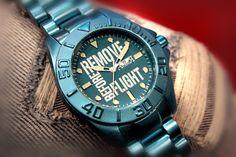 Reloj Aviador RBF Remove Before Flight Young Aluminium AV-1123  con esfera color azul conjuntado con armis en aluminio. Los relojes RBF Young marca tendencia por su colorido y por la ligereza de su construcción en aluminio. Poco más de 80 gr. Reloj con movimiento cuarzo japonés que Incluye un tratamiento cerámico en la superficie de aluminio que lo hace más resistente a arañazos e impactos.#ARBOREA Precio 95€
