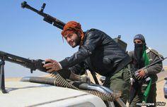 Milicias que asaltaron Parlamento libio se repliegan hacia aeropuerto