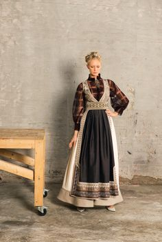 FANTASISTAKKER - Eva Lie Design ASEva Lie Design AS Ethnic Fashion, Boho Fashion, Farm Fashion, Frozen Costume, Scandinavian Fashion, Feminine Dress, Folk Costume, Nordic Style, Pretty And Cute