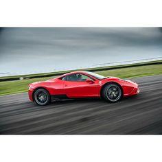 Having a bit of a Ferrari heavy week. Here's @dickiemeaden slip-sliding his way…