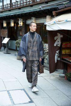 2017AW Japan Fashion, Look Fashion, Mens Fashion, Fashion Outfits, Fashion Design, Japanese Men, Japanese Kimono, Yukata, Urban Minimalist Fashion