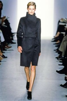 precise tailoring + a sense of flow | calvin klein delivers minimalism with maximum impact - falll 1997 RTW.