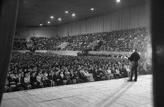 29 ноября 1967 г. Куйбышев (Самара). Дворец спорта. Фото Г. Гутмана