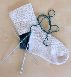 Hand Knitted Things: Knitted Sock Heel Repair