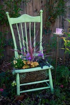 pretties on chairs .. X ღɱɧღ || Не выбрасывайте старую мебель / Цветы, вазы и цветочные горшки /