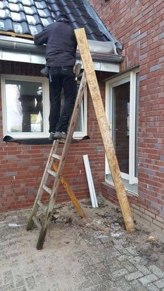 This inventive risk-taker: 25 Photos Of Home Improvement About To Go Terribly, Terribly Wrong Safety Fail, Darwin Theory, Construction Fails, Workplace Safety, How To Be Likeable, Live Long, Health And Safety, Home Improvement Projects, Interior Design Kitchen