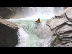 Reinbachfalls #Ahrntal - #Kayak  Ein abenteuerlicher Sport für jedes Wetter!     Wer von Euch würde sich sowas trauen?