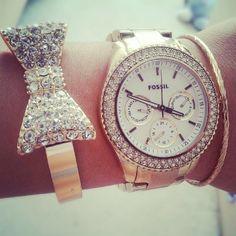 I love the bow bracelet