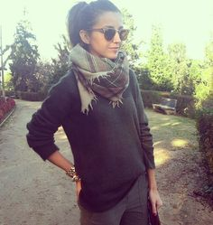 Autumn colors, casual style, big sweet scarf.  source: lovely pepa