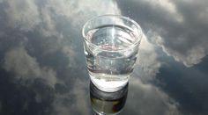 Qu'y a-t-il de plus rafraîchissant qu'un grand verre d'eau froide avec des glaçons ? Je ne pense pas qu'on puisse nier que, parfois, un simple verre d'eau peut être plus satisfaisant qu'une tass...