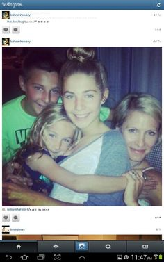 Kelley Menighan Hensley(Emily ATWT and Y and R) with her and hubby's John Hensley(Holden ATWT and Dr. MEADE B and B) kids Sophie May, Spencer James and Georgia GiGI Grace