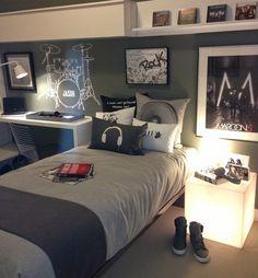 Si un joven adolescente gusta de la música e instrumentos, hoy le proponemos decorar una habitación temática musical, y para ello le ofrecemos una galería de lindas fotos de dormitorios juveniles tema música, diseños de habitaciones para jóvenes adolescentes modernos.