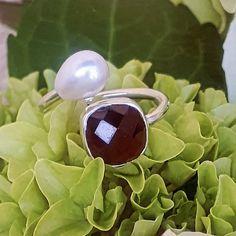 """ARGENTO SCHMUCK DESIGN hat einen Beitrag auf Instagram geteilt: """"Frisch vom Werktisch🔨.....Offener Granat Ring mit Süsswasserperle....💎.....handgeschmiedet aus…"""" • Folge seinem/ihrem Konto, um alle 236 Beiträge zu sehen. Schmuck Design, Sunglasses, Instagram, Garnet Rings, Fresh, Silver, Sunnies, Shades, Eyeglasses"""
