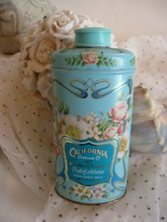 Very good condition front and back and nearly full of talcum. Perfect added to a tin collection.    Measures about 5 1/4.    Thanks for