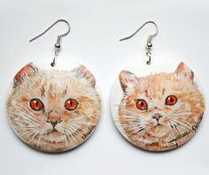 Wooden earings with two hand-painted british cats by SkadiaArt