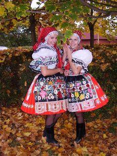Vzpomínky na Dúbravu :-) :: Group Costumes, Folk Costume, Czech Republic, I Love Fashion, Folklore, Traditional Outfits, Harajuku, Culture, Prague