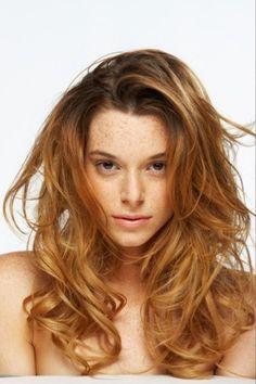 Te decimos cual es el mejor estilo de cabello según tu tipo de cuerpo.  http://www.linio.com.mx/salud-y-cuidado-personal/cuidado-cabello-damas/