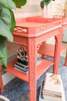 How to paint over dark stained wood or dark vintage furniture pieces. Update old furniture with paint video tutorial and downloadable instructions. #paintedfurniture #paintingtutorial #howtopaint #videotutorial #H2OBungalow