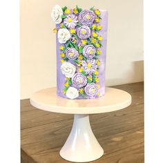 #buttercreamflowers #buttercream #cakepopmafia #doublebarrelcake Double Barrel Cake, Buttercream Flowers, Sugar Art, Sweet Cakes, Desserts, Tailgate Desserts, Two Tier Cake, Deserts, Postres