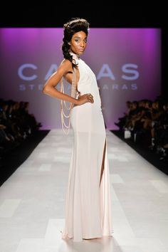 Stephan Caras WMCFW show 2013, with pearls.