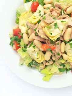 Make-ahead lunch: Italian Chopped Salad with Tuna, Artichoke Hearts & Cannellini Beans. Ideal for prepping ahead on the weekends and enjoying throughout the week.