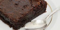 GATEAU MINUTE AU CHOCOLAT (100 g de chocolat noir corsé, 100 g de beurre demi-sel, 100 g de farine, 100 g de sucre, 3 œufs, 2 c à s de jus d'orange, 1/2 c à c de levure chimique) CUISON : 3 mn au micro-ondes