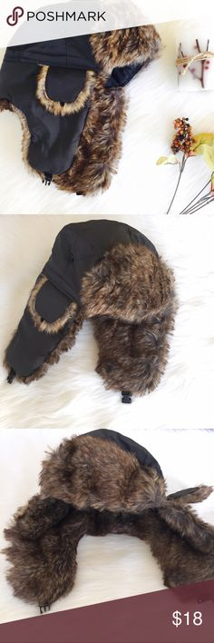 🆕 | Bomber Aviator Hat Stay warm and comfy in this stylish bomber aviator hat. Very trendy and comes in a dark olive color. Has earflap so your ears stay warm and it's very comfortable to wear.    • one size fits most • faux fur    ◆ no holds  ◆ no trades   ◇ open to reasonable offers   ✦✦ bundle and save 10% on 3+ items ✦✦ Ivy Collective Accessories Hats