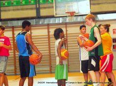 Campus de inglés y baloncesto en Alicante, España