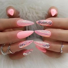The Most Fashionable and Stylish Glitter Nail Art Ideas: the Best Glitter Nail Designs