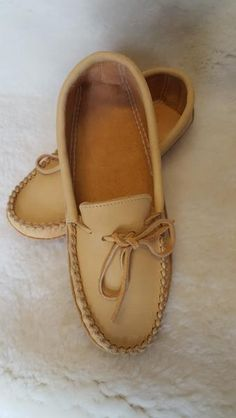 00a2fd2ef Men's and ladies Moosehide moccasins in natural colour Slipper, Indian  People, Mocassin Shoes,