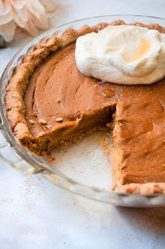 Pumpkin Bites Recipe, Paleo Pumpkin Pie, Healthy Pumpkin Pies, Sugar Pumpkin, Pumpkin Pie Recipes, Baked Pumpkin, Pumpkin Pie Spice, Paleo Dessert, Healthy Dessert Recipes
