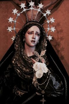 Find images and videos about art, flowers and neon on We Heart It - the app to get lost in what you love. Catholic Art, Religious Art, La Pieta, Sculpture Art, Sculptures, Renaissance Kunst, La Madone, Our Lady Of Sorrows, Yennefer Of Vengerberg
