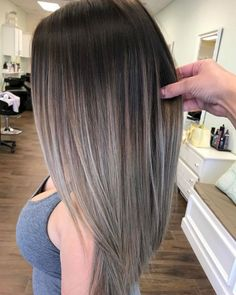 Gloomy 50+ Beautiful Fall Hair Color To Look More Pretty  https://oosile.com/50-beautiful-fall-hair-color-to-look-more-pretty-10208