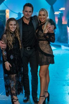 Charles Esten and Lennon and Maisy Stella The Lennon Sisters, Nashville Tv Show, Lennon Stella, Fantastic Show, Rock News, Celebs, Celebrities, Worlds Of Fun, Country Music