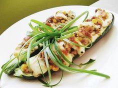 Cuketa plněná tuňákem a kukuřicí Mozzarella, Zucchini, Healthy Recipes, Healthy Food, Yummy Food, Vegetables, Foods, Red Peppers, Summer Squash