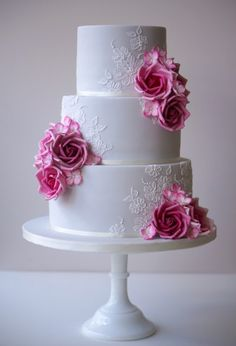 ANNA Cake Couture Grey and Pink wedding cake