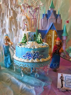 Purple Chocolat Home: Elsa's Frozen Party Tablescape