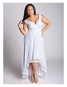Buy plus size wedding dresses or wedding gowns at cheap price from weddingdresstrend. Wholesale and retail high quality plus size designer bridal dresses online. Informal Wedding Dresses, Informal Weddings, Plus Size Wedding Gowns, Casual Wedding, Wedding Dress Styles, Plus Size Dresses, Plus Size Outfits, Bridal Dresses, Bridesmaid Dresses