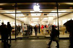 """Hasta 24 millones de euros desembolsará Apple a padres y madres que recibieron facturas de """"apps"""" que habían comprado sus hijos sin su autorización. La compañía cambiará sus prácticas de facturación para asegurar que obtiene dicho consentimiento."""