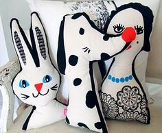 Pinned from Estocolmo Kids from http://lapinandme.bigcartel.com. Graphic cushions Lapin & Me.