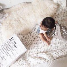 my handmade  chunky knit blanket ♡♡♡  knitting ブランケット  merinowool   ホワイトインテリア