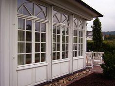 Tischlerei Neumann - Holzfenster-Element mit Sprossen und Füllungen